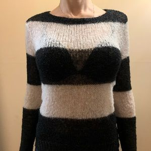 Sweaters - Stripped black/white sweater